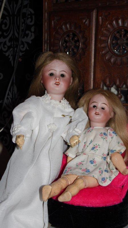 Poupées SFBJ  Bleuette et sa petite soeur