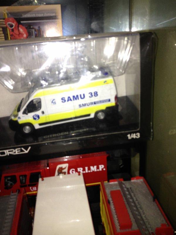 camion du samu 38
