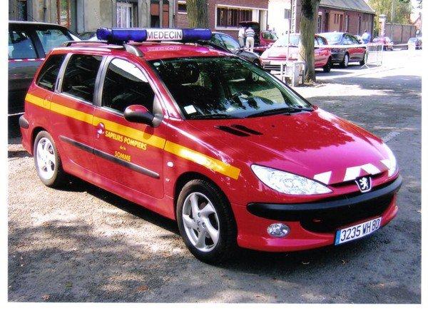 véhicule du médecin des pompier