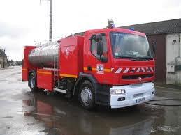 véhicule mousse incendie Marins Pompiers de marseille