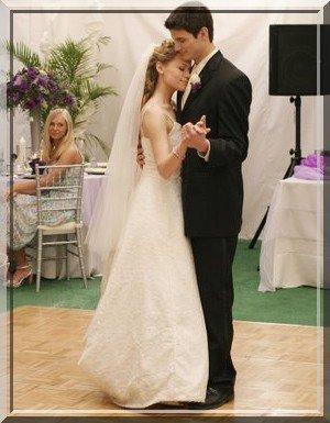 ♀& ♂ -  Naley, puis Leyton et enfin Brulian... Tree Hill a acceuilli de magnifiques mariages...