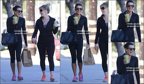 . 01/02/14 : Lea a été aperçue quittant le Sun Café avec avec une amie à Los Angeles. .