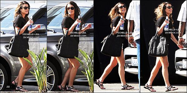 . 01/05/14 :  Lea Michele a étéphotographiée sur le set de Glee avec Chris & Heather à  Los Angeles . Un jolie top pour notre Rachel Berry ! + Lea quittant le set de Glee un Top.. !  .