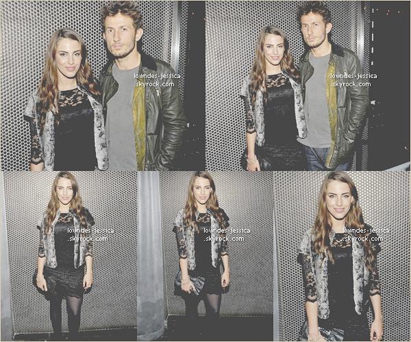 Dimanche 20 novembre :  Jessica Lowndes dîne chez Beauty & Essex à New York City. Vos avis ? Top ?