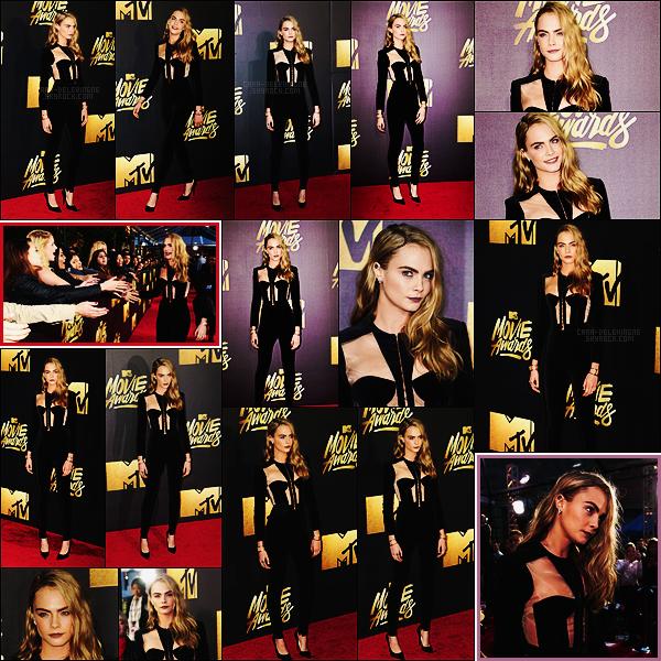 . ● 09/04 : La jolie Cara Delevingne s'est rendue aux MTV Movie Awards dans Burbank, - CA.  .