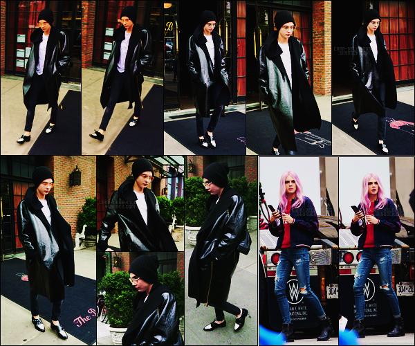 30/04/17 - L'actrice et mannequin Cara Delevingne a été aperçue quittant son hôtel situé dans New York.  Elle est à New York pour assister au MET Gala. + Des photos sont sorties, sur le tournage de Life in a Year datant de mi-avril environ.