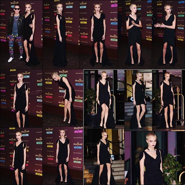 . ● Le 18/05, Cara Delevingne était à la soirée  Magnum x Maschino  lors du Festival de Cannes  .