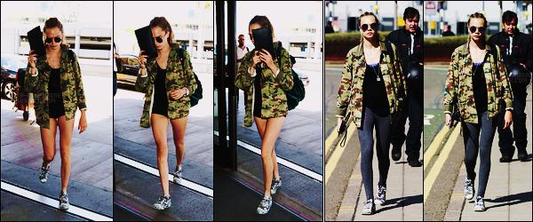 19/09/15 - L'actrice Cara Delevingne a été photographiée arrivant à l'aéroport LAX de Los Angeles, -CA. Plus tard, elle a été vue arrivant à Londres par l'aéroport Heathrow pour la Fashion Week entre autre, J'aime bien sa veste militaire, top
