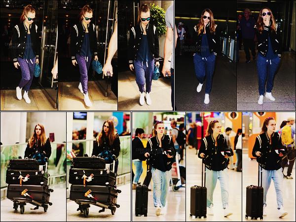 29/06/15 - Cara Delevingne a été photographiée quittant son hôtel et arrivant à Heathrow dans Londres. Puis elle a été vue arrivant à l'aéroport de Toronto et quittant Toronto même pas 24h après.. Arrêt très rapide et incompréhensible. Top?