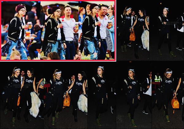 """21/06/15 - Cara Delevingne a été au Summer Time Hyde Park music festival organisé à Londres, UK. Le 27/06, Cara quittait ce même festival avec la mannequin Kendall Jenner. Elles portaient des t-shirt à l'effigie de leur amitié """"CaKe"""""""