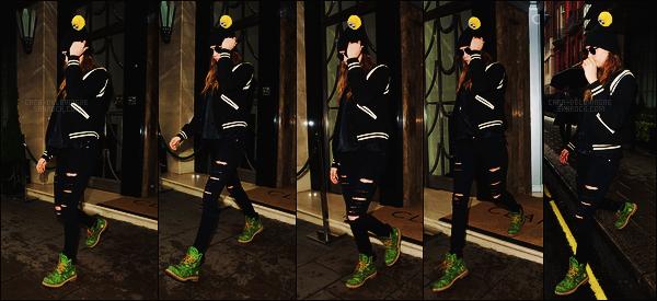20/06/15 - Cara Delevingne a été aperçue seule, sortant de son hôtel, situé dans la ville de Londres - UK ! La belle mannequin quittait son hôtel, bonnet sur la tête rejoignant un taxi. Il semble faire froid à Londres. C'est un bof pour cette tenue