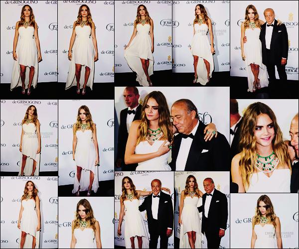 . ● Le 20/05, Cara Delevingne présente lors de la soirée par De Grisono dans la ville de Cannes.  .