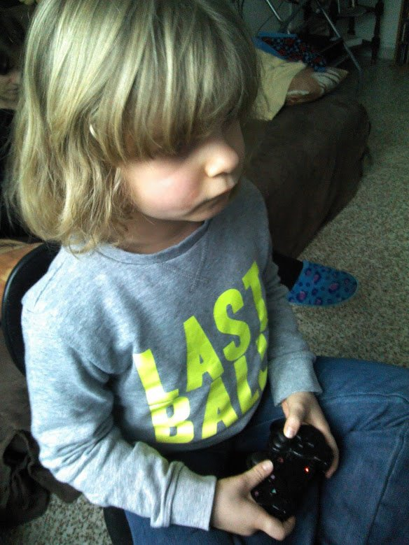 Mon garçon qui joue à GTA