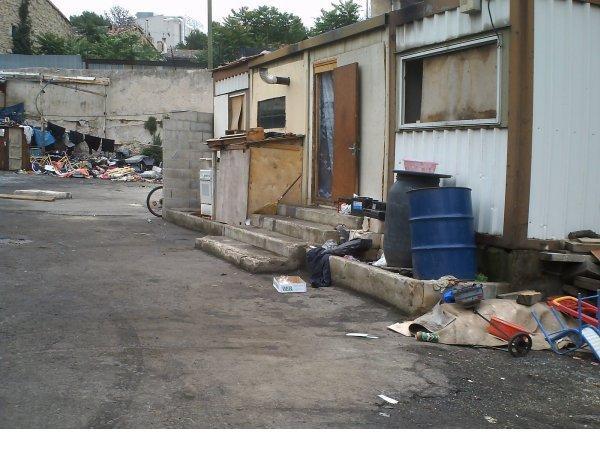 Quartier Saint-Mauront je dois mettre un titre a cela alors quoi appart que fait l'état !!! (13003) endroit habiter par des personnes irrégullière