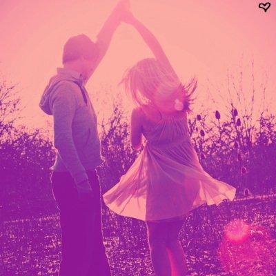 La vie est trop courte pour ne pas être heureux..Ris, chante, cris, danse, amuse toi et profite de chaque instant. Va au bout de tes rêves. Ne laisse personne te rendre malheureux. pardonne les erreurs, sans les oublier. Apprend à vivre ta propre vie. Fais ce que tu veux, mais sois heureux.