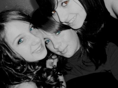 . Ce sont mes amis qui m'ont fait aimer la vie. Ils me rendent meilleur à mesure que je les trouve meilleurs eux-mêmes. ♥.