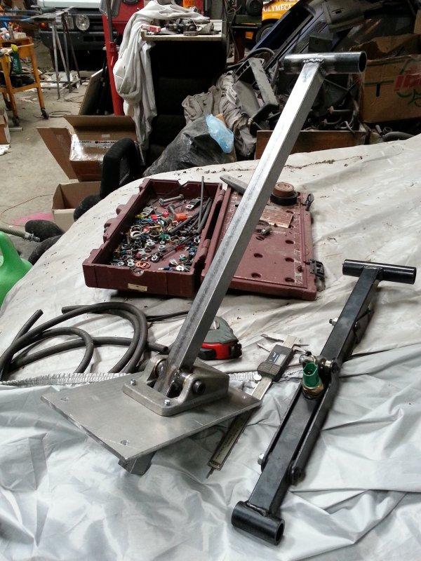 fabrication de ma commande de boite clio GrA (par dessou)