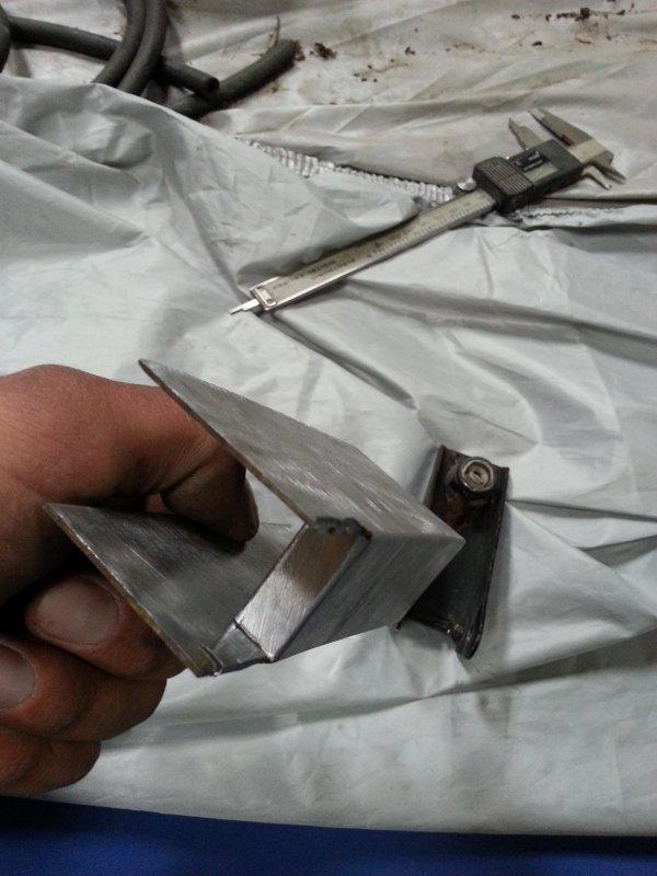 fabrication de ma commande de boite clio GrA (par dessou) (suite)
