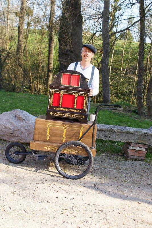 Marcel et son orgue de barbarie