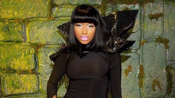 "Nicki Minaj aurait Encore copiée sa Rivale Lil Kim sur "" How Many Licks "" pour "" Va Va Voom """