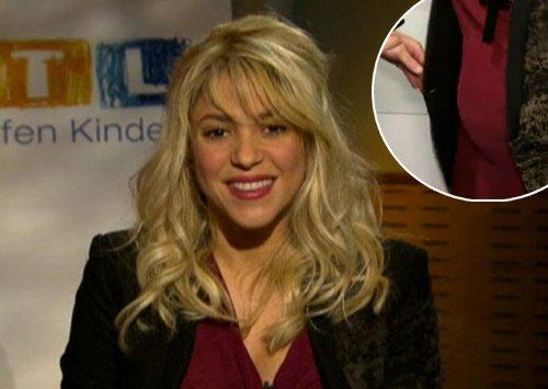 Shakira dévoile son ventre arrondi et le sexe de son bébé!