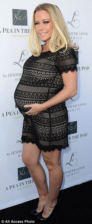 Kendra Wilkinson enceinte de bientôt 8 mois!