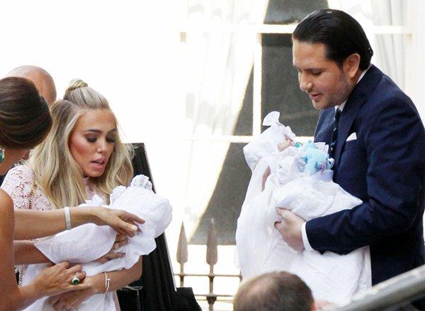 Baptême des Jumeaux James & Andrew Stunt!