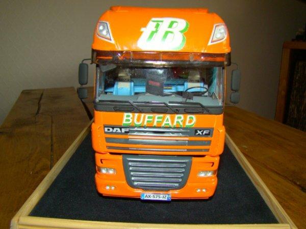 Comme promis voici le tracteur au couleurs des transports BUFFARD