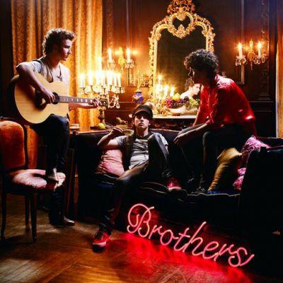 _ Les Jonas Brothers_
