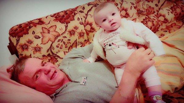 Ma fille MA BATAILLE <3 Julianna <3 Et sont Papie