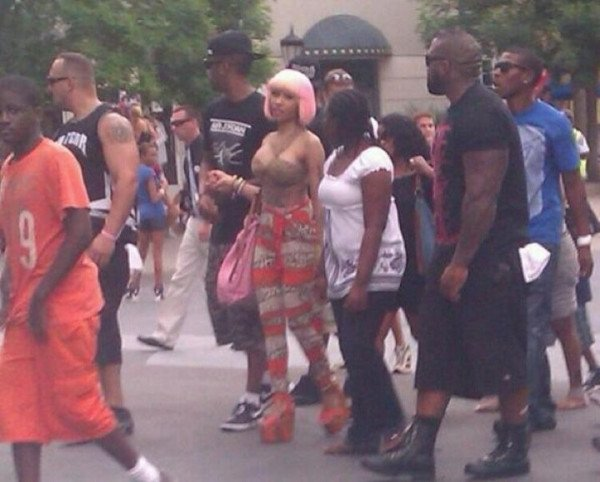 Nicki vu a Sixs Flags Amusement park Dans le New Jersey