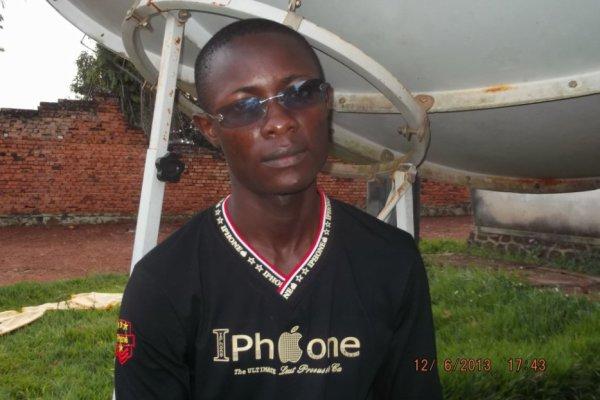 jules-mbongo  a fêté ses 29 ans le 15/12/2017, pense à lui offrir un cadeau.Jeudi 14 décembre 2017 07:41