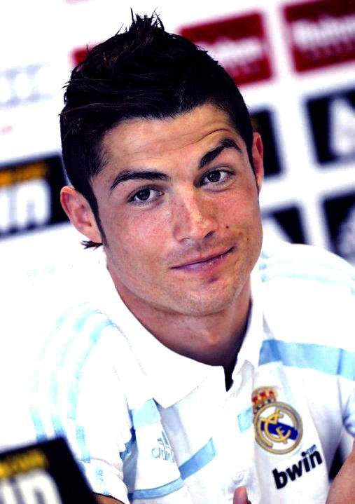 Ronaldo376  fête ses 49 ans demain, pense à lui offrir un cadeau.Aujourd'hui à 21:25