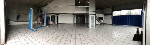 Salle d exposition installation d un ascenseur pour personnes à mobilité réduite