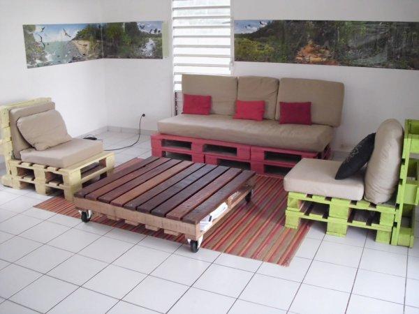 salon palette le lot 150 vendu ev blog de dune en. Black Bedroom Furniture Sets. Home Design Ideas
