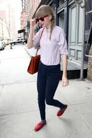 Taylor Swift qui quittent son hôtel à New York