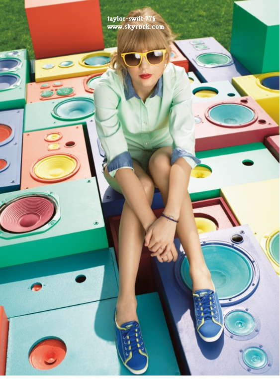 Parfum Taylor By Taylor Swift + Taylor photoshot Keds shoes