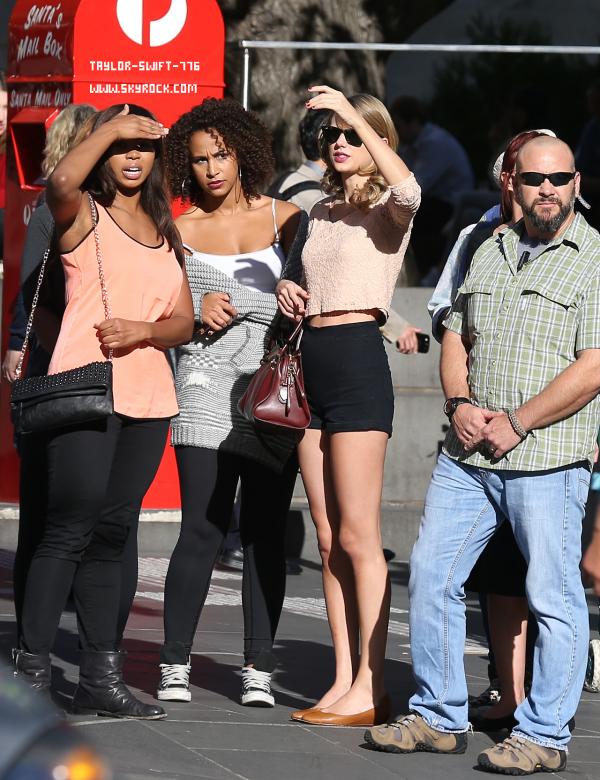 12/13/13 Taylor a était vue faire du shopping avec des amie +tout le ratrapage de la semaine