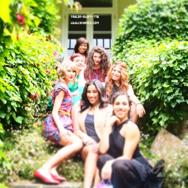 Photo Instagram + Photo de l'aniv de taylor