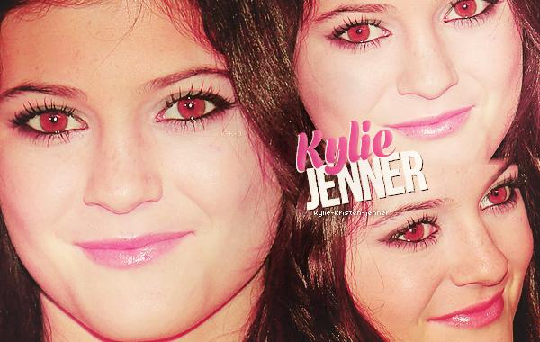 . Bienvenu sur • KYLIE-KRISTEN-JENNER • ta source sur la belle Kylie Jenner. Une source qui vous feradécouvrirl'actu de Kylie a travers des candid,des apparences,pic twitter ect.. .