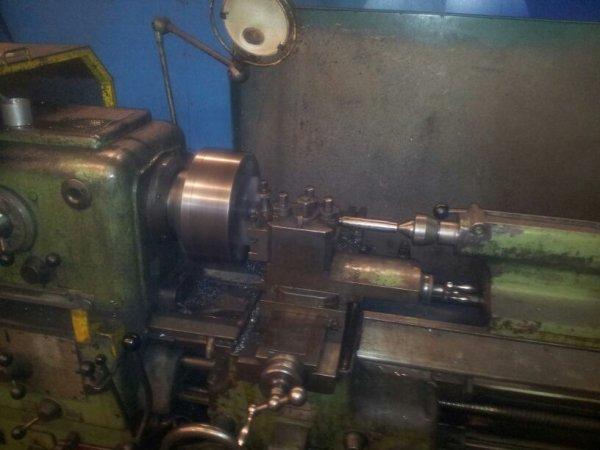 Fabrication d'axe de roue au boulot , sa m'entraine ! :')