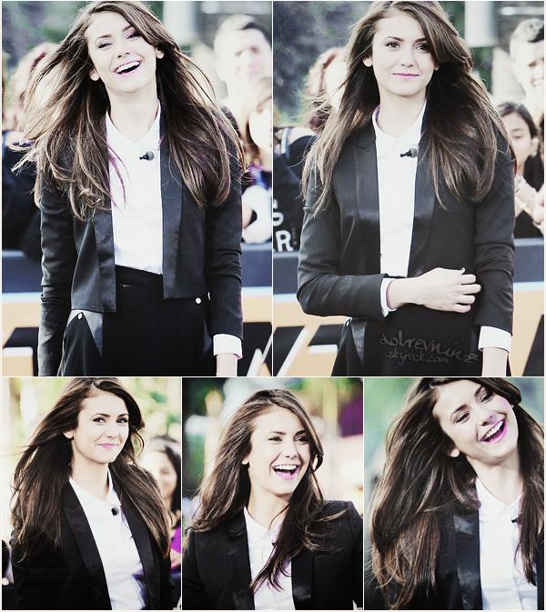 . 10 janvier 2014, Nina s'est rendue sur le plateau de « Extra Tv » à Universal Studios Hollywood, présenté par Mario Lopez. .