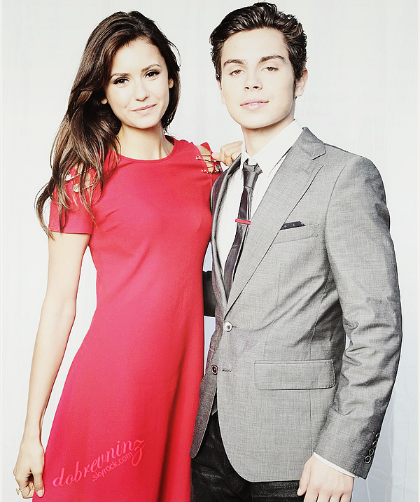 * Photoshoot de Nina et Jake T. Austin pour Variety's Power Of Youth Event. *