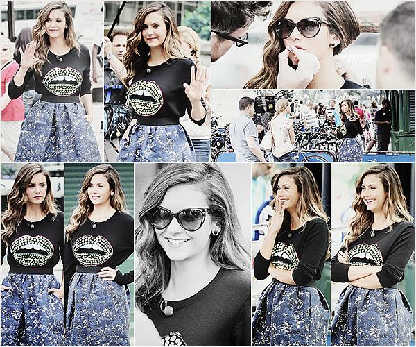 Nina donnait une interview pourAccess Hollywoodpour parler deLet's Be Copset de certaines rumeurs.