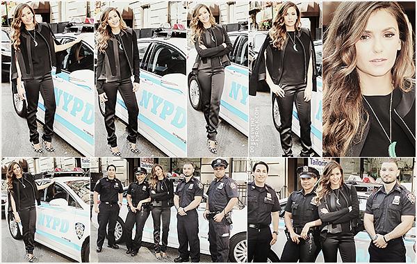 Nina à rendue visite auposte de policeàMidtown Precinctà l'occasion de la sortie de« Let's Be Cops»