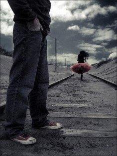 La vie se passe à désirer ce qu'on n'a pas, à regretter ce qu'on n'a plus.    Joseph Roux