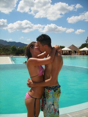Moi A La Piscine ma femme et moi a la piscine en sardaigne - moua===> micko