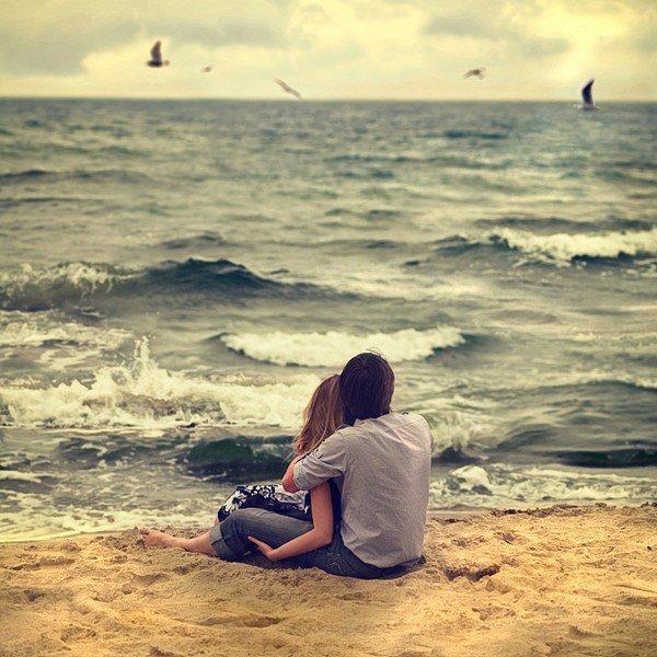J'préfère ta cruauté à ton indifférence, tes moqueries à ton absence. En fait j'ai juste besoin que tu sois là, de me dire que dans un petit coin de ta tête tu penses à moi.