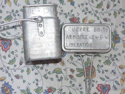 gamelle français gravé travail artisinal et parcour du soldat trés rare