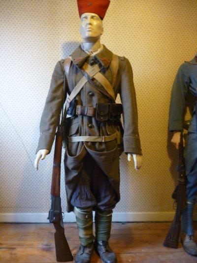 début mannequin france  1940 ( pendant la campagne de france )